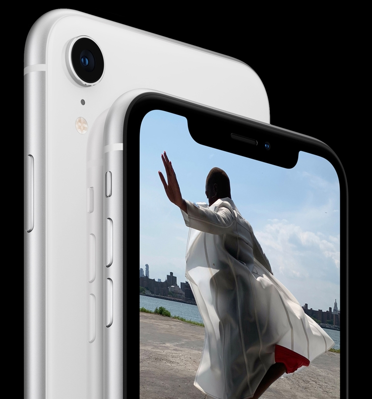 «Бюджетный» iPhone XR: большой дисплей с низким разрешением и самый мощный процессор