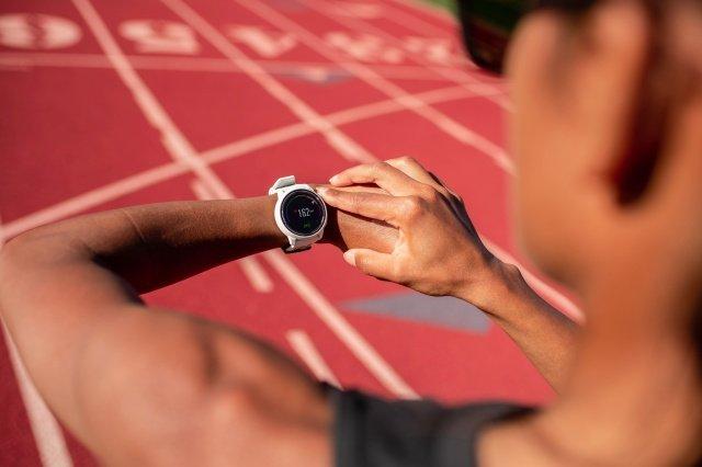 Coros Pace 2 Sport - это сверхлегкие часы с GPS для бегунов