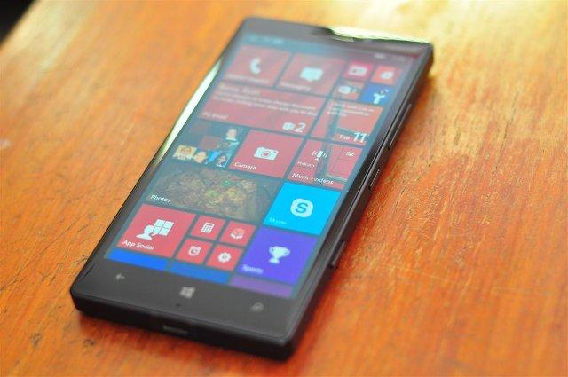 Lumia Black шагает по миру