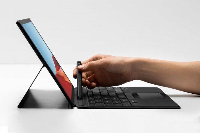 Первый успех Microsoft с новым Surface 2