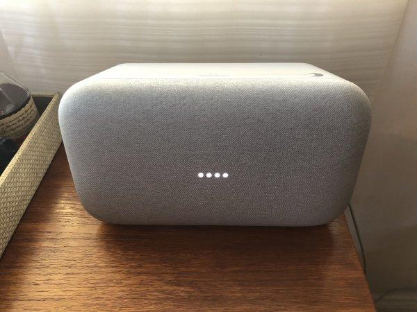 Эксперты: Колонка Google Home Max сможет «подвинуть» Apple и Amazon