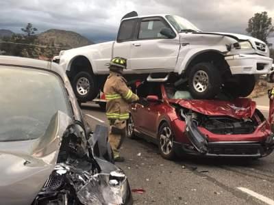 На американской дороге произошла самая странная авария