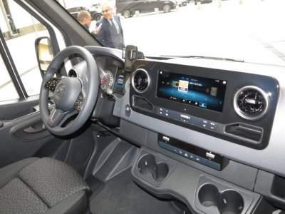 Обновленный Sprinter впервые представили в Украине