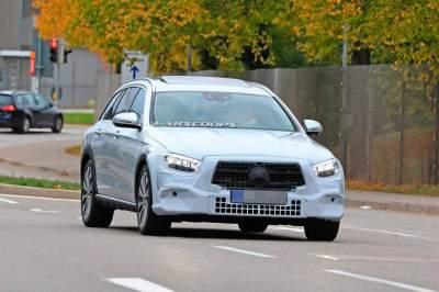 Mercedes-Benz вывел на тесты E-Class All-Terrain