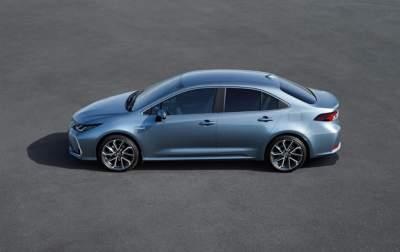 Toyota представила новую Corolla