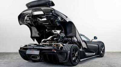 Koenigsegg построила гиперкар в кузове из