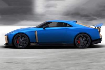 Nissan представил серийный суперкар почти за 1 млн.евро