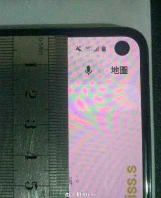 Появились снимки смартфона Samsung Galaxy S10e
