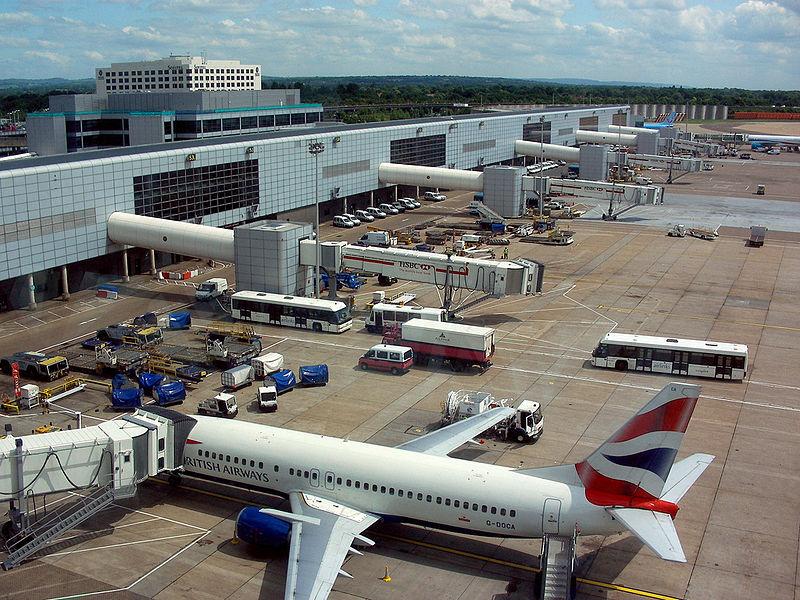Дроны парализовали работу второго крупнейшего британского аэропорта