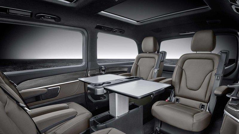 Mercedes-Benz скромно обновил V-класс