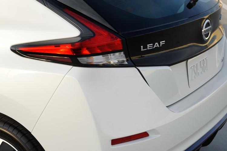 CES 2019: Запас хода электромобиля Nissan LEAF e+ достигает 385 км