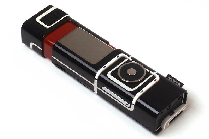 Очень необычные мобильные телефоны: 8 моделей