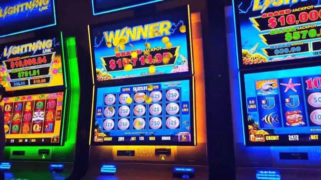 Играйте в азартные автоматы с помощью игры Азино 777
