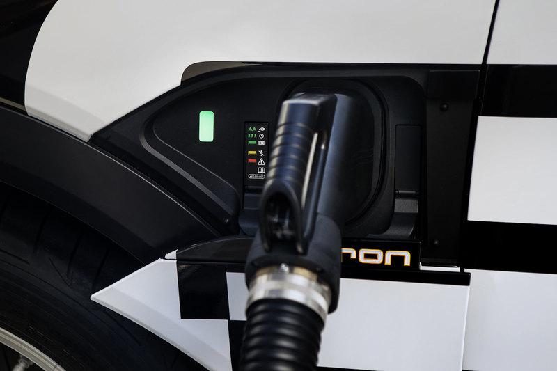 Первый электрокар Audi: слезая с нефтяной иглы