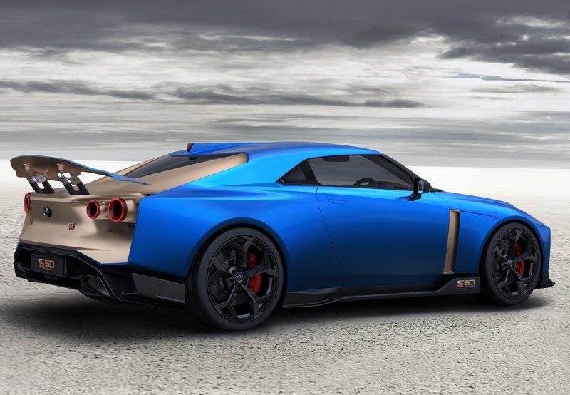 Nissan начал приём заказов на коллекционный суперкар