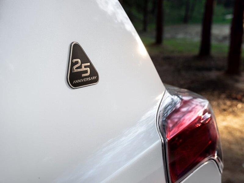 Toyota выпустила юбилейную версию RAV4