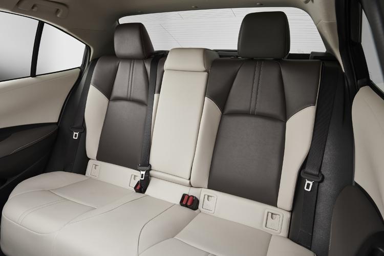 Новый седан Toyota Corolla получил 2-литровый двигатель Dynamic Force