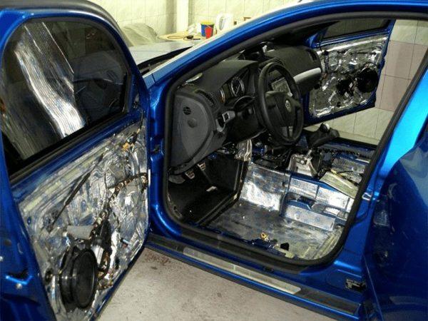 Шумоизоляция автомобиля в Краснодаре от компании Plasti & Do