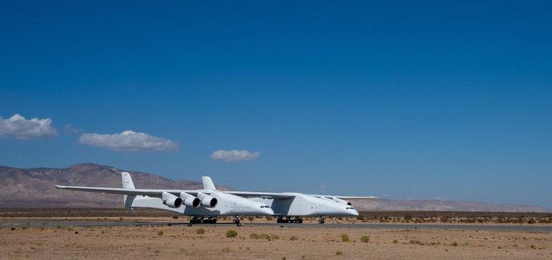 Самый длиннокрылый самолет разогнался до 145 км/ч в ходе пробежек