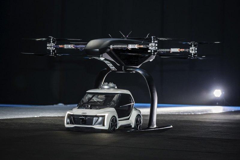 Автономное лётно-дорожное такси испытали публично