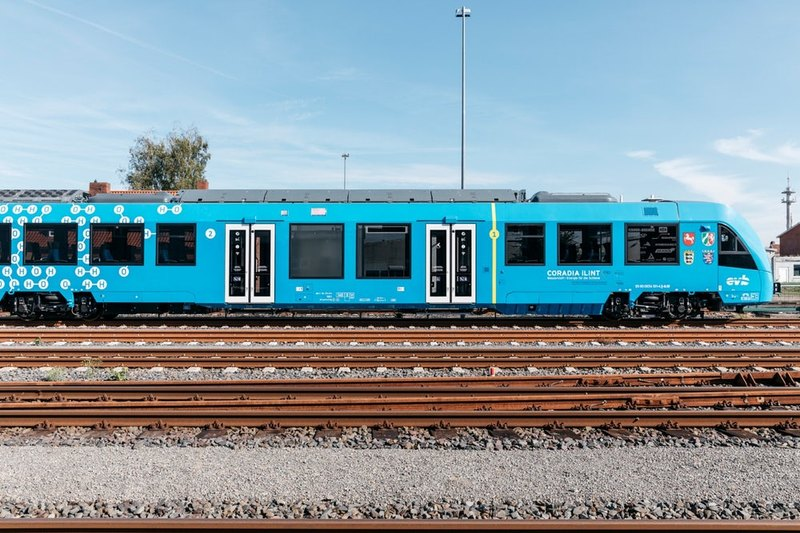 Запущен первый в мире водородный поезд