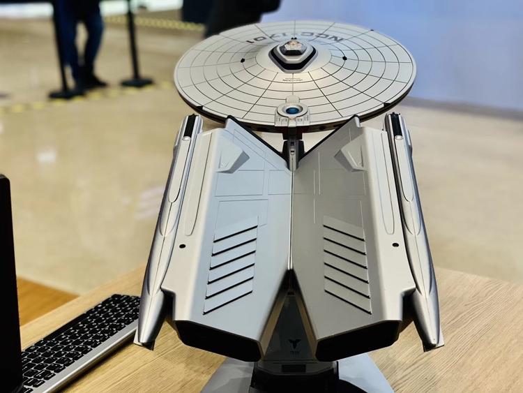Lenovo Titanium Enterprise NCC-1701A: компьютер в виде звездолёта «Энтерпрайз»