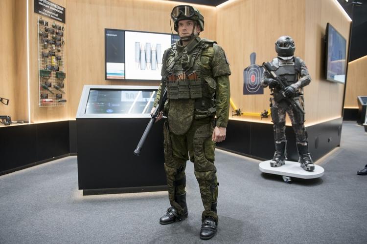 Инженерные войска РФ возьмут на вооружение экзоскелеты в 2019 году