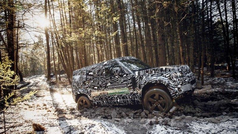 Land Rover показал первые фото нового Defender