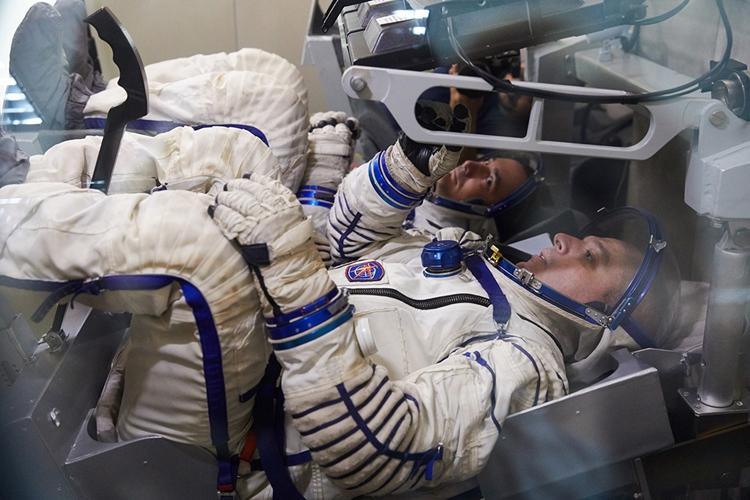Начаты испытания парашютной системы для космического корабля «Федерация»