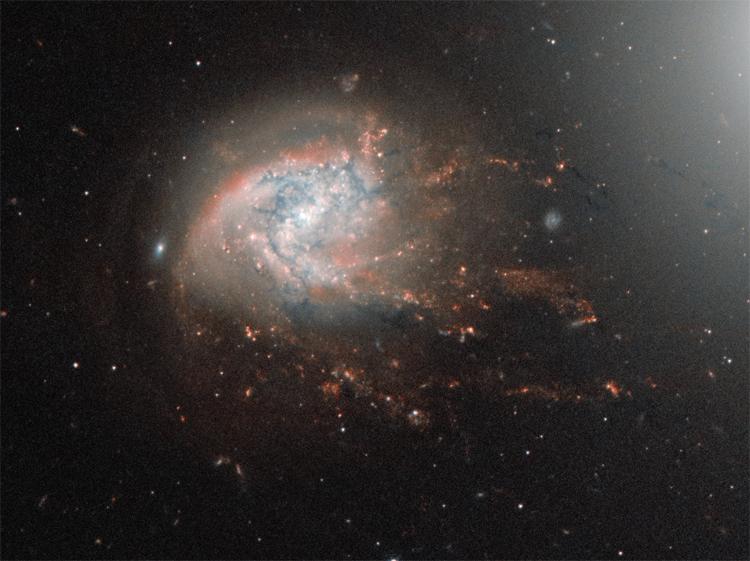 Фото дня: великолепная спиральная галактика в созвездии Волос Вероники
