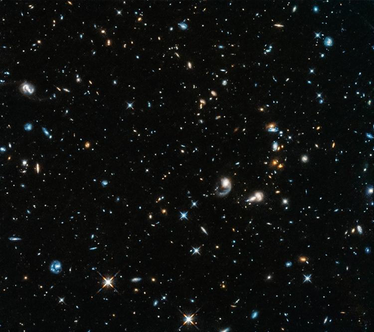 Орбитальный телескоп Hubble снова открыл «глаза»