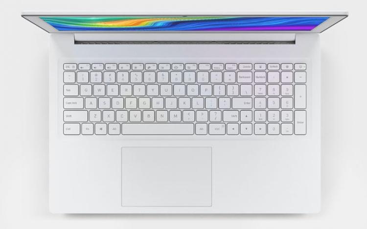 Белоснежный лэптоп Xiaomi Mi Notebook с экраном 15,6