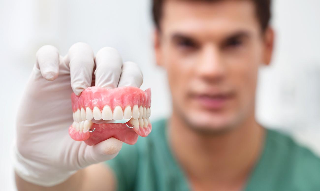 Безболезненное и качественное протезирование зубов