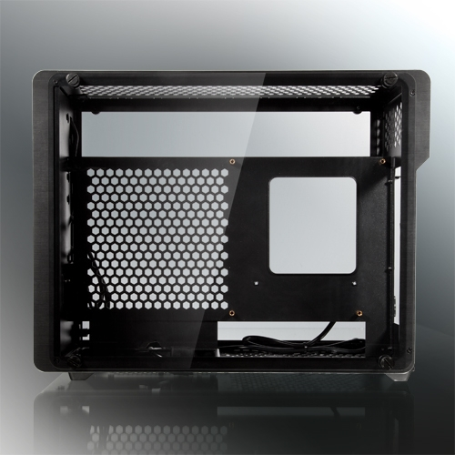Raijintek Ophion Evo: эффектный корпус для компактного ПК