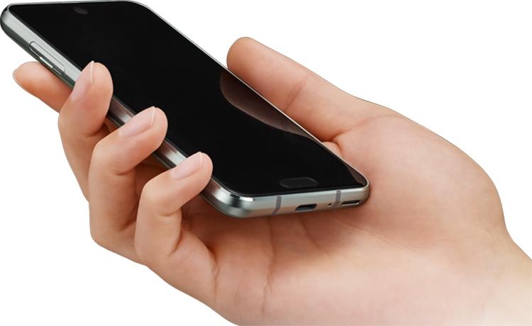 Sharp выпустит смартфон среднего уровня с экраном Full Screen