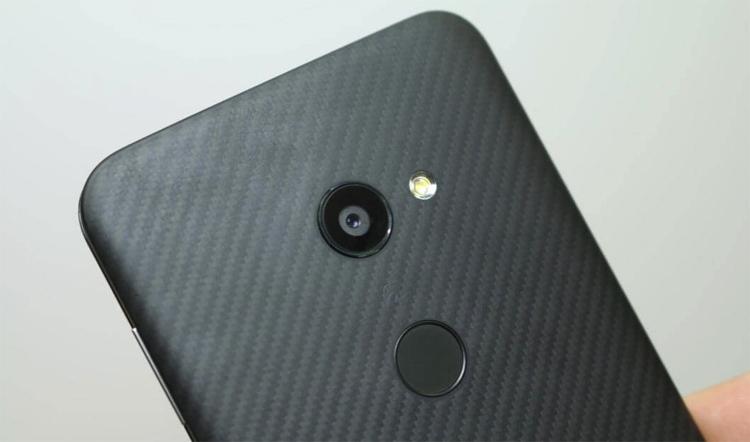 Sharp выпустит в Европе флагманский смартфон с 6,2
