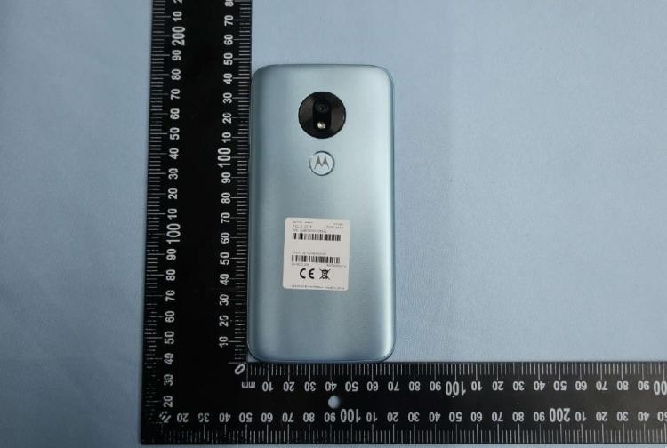 Фото: FCC рассказала всё о Moto G7 Play — экранный вырез на месте