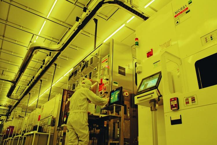 Intel показала 28-ядерный 5-ГГц процессор и выпустит его в конце года