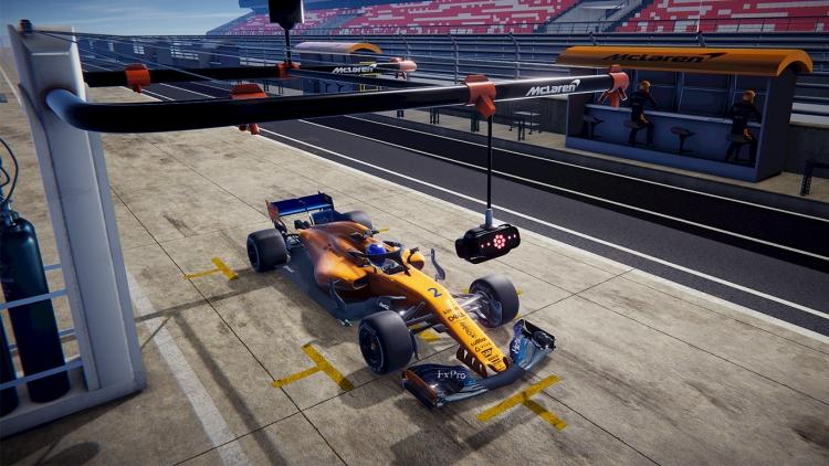 Шлем HTC Vive Pro McLaren Edition для поклонников Формула 1 обойдётся в 50