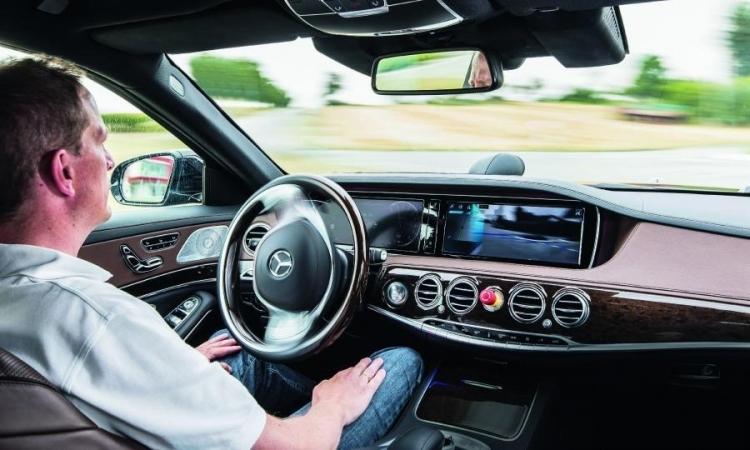 Western Digital представила UFS-накопители для умных автомобильных систем