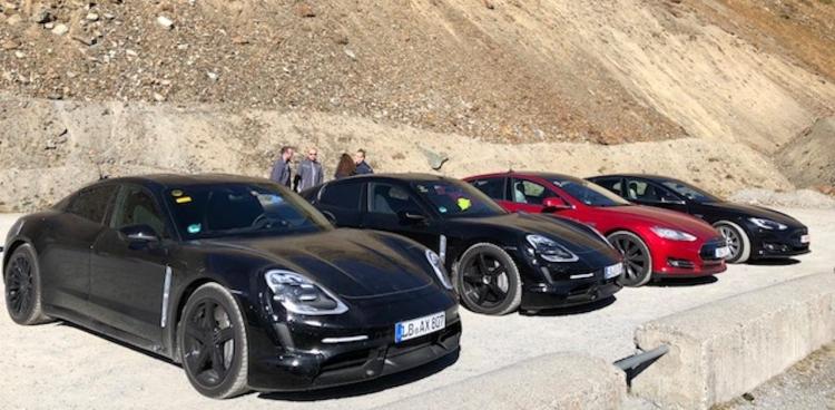 Электромобиль Porsche Taycan оказался популярным у владельцев Tesla