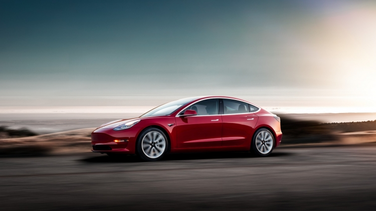 Tesla начала предлагать зарезервировавшим Model 3 поставку на условиях «первый пришёл, первого обслужили»