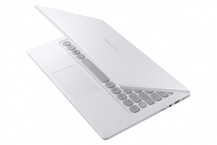 Samsung представила ноутбук с клавиатурой в стиле печатной машинки