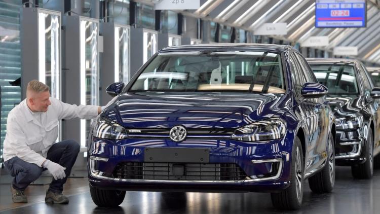 Германии не удастся довести число электромобилей на дорогах до 1 млн к 2020 году