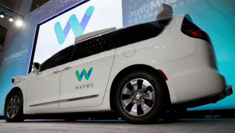 Waymo первой в Калифорнии получила разрешение на тестирование самоуправляемых автомобилей без водителя