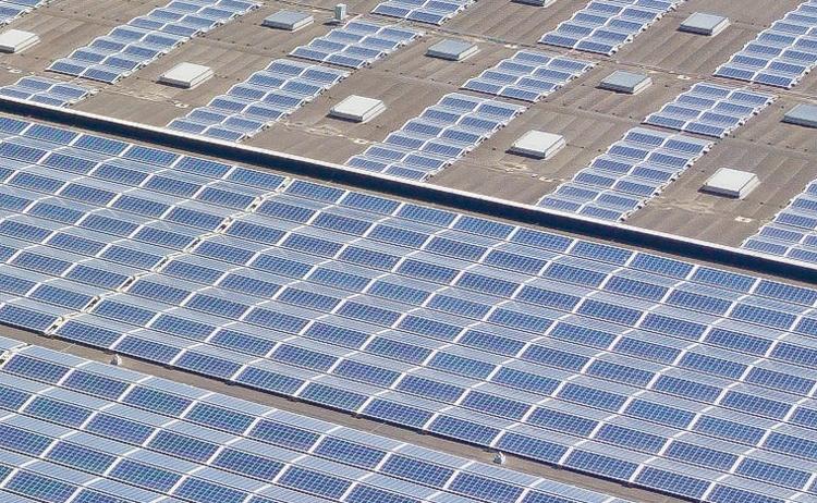 Nissan ввела в строй гигантскую крышу-электростанцию с солнечными панелями