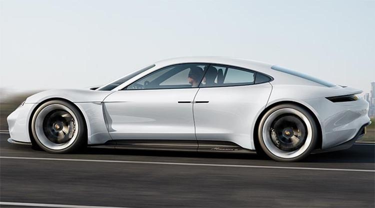 Porsche предложит электромобиль Taycan в Turbo-версии