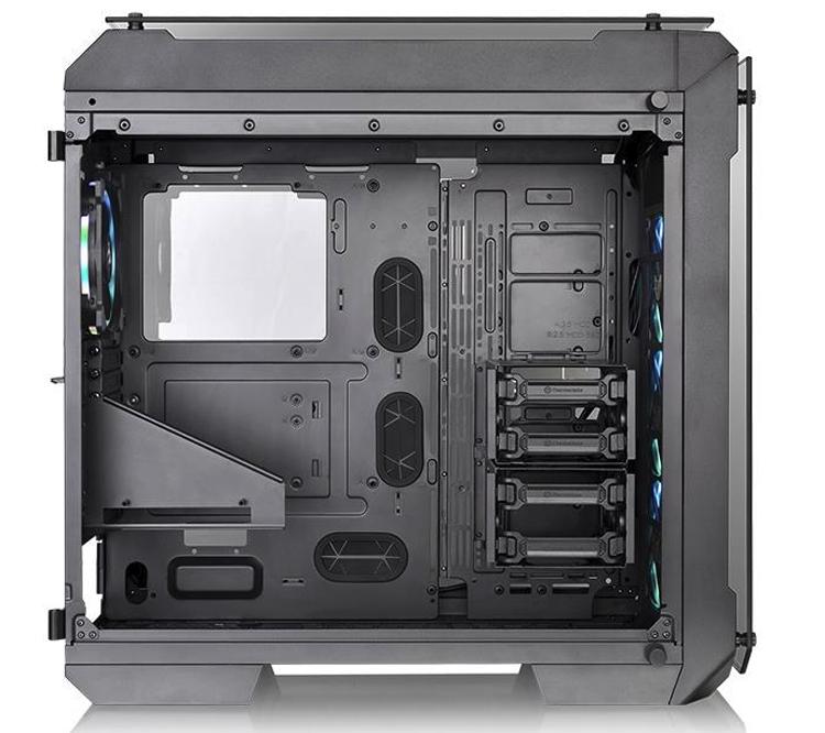 Корпус Thermaltake View 71 Tempered Glass RGB Plus поддерживает платы E-ATX